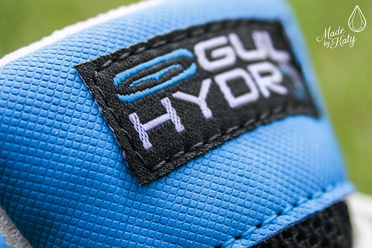 611cd47ed22b4 boty-pro-paddleboarding-wakeskate-kite-gul-hydro-aqua- Detail na logo na  jazyku ...