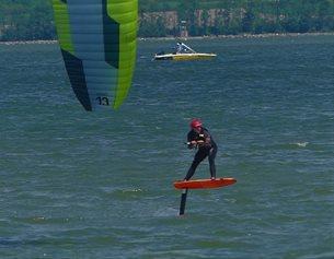 Kite Flysurfer VMG2 - zavodní postoj