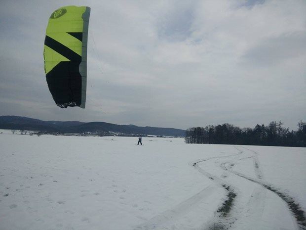 Kite-Flysurfer-Peak3-snowkiting-(1).jpg