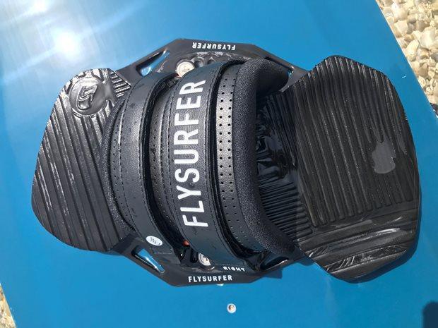 kiteboard viazanie Flysurfer SQUAD recenzia - strap