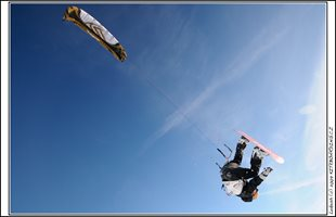 ... a kitesurfing s NAISH TORCH